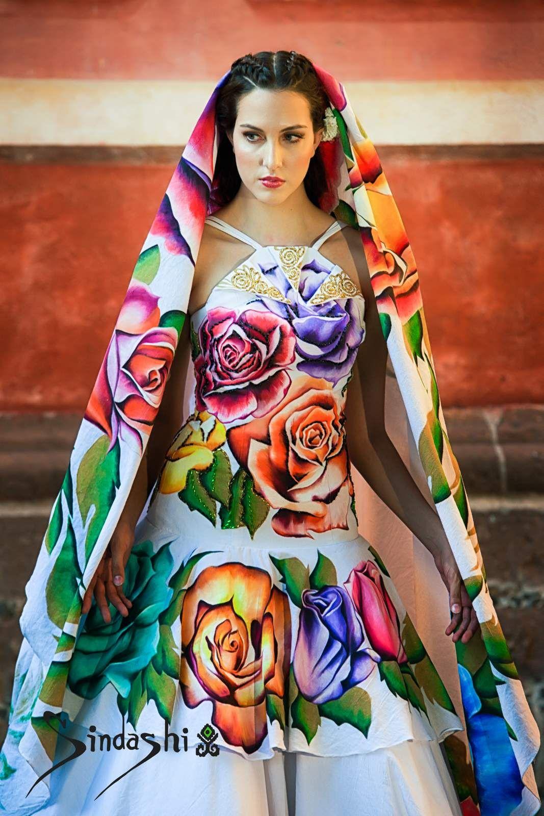 7cb234ef26 Pin de Sindashi en Vestidos de novia pintados a mano en 2019