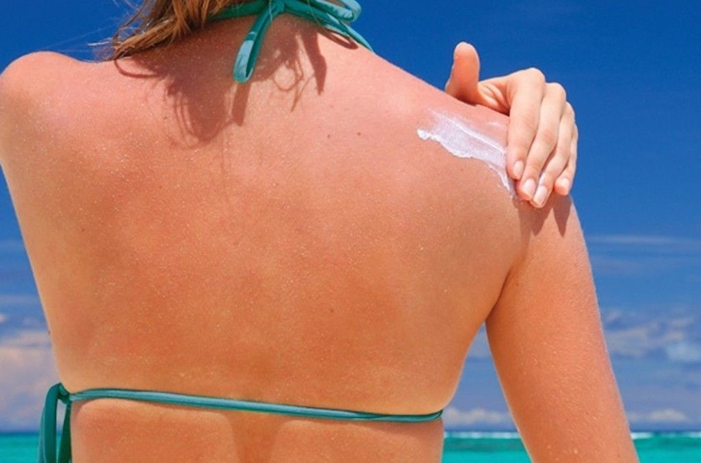 The 10 Best Sunscreen Picks For Redheads in 2015 --- We love the Neutrogena Ultra Sheer Dry-Touch Sunscreen!!!