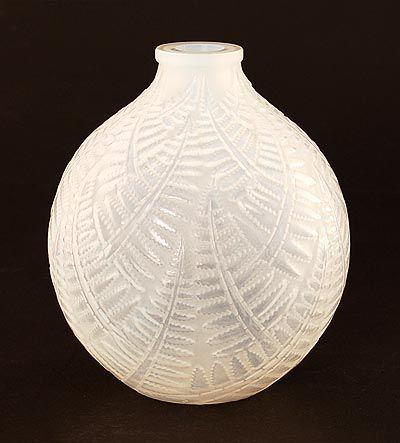 Opaline glazen vaas Espalion ontwerp René Lalique 1927 uitvoering Lalique / Frankrijk