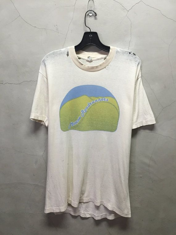 Distressed 80s Vintage White T Shirt Tee Shirt Jumper Off White Moscow Roadrunners Shirt Vintage Running T Shirt Tee Shirts Shirts White Tshirt