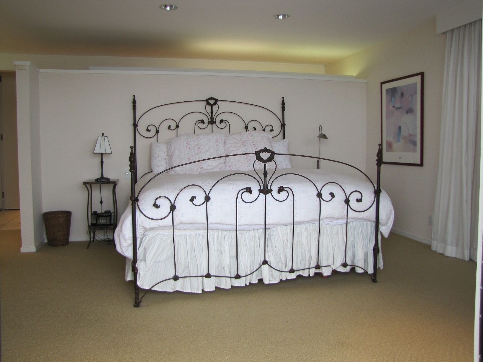 High Quality Unusual Thin Gauge Four Poster Bed Converted To King Size. Victorian Mid  1800u0027s #ironbeds