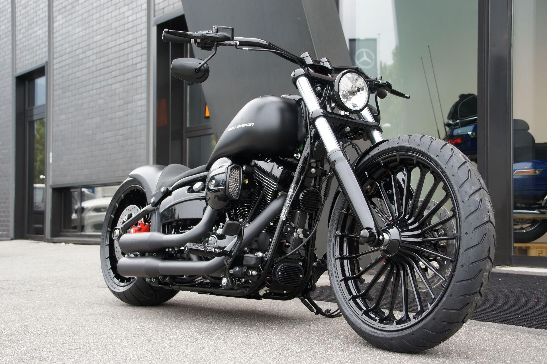 Harley davidson softail breakout love the 240 rear tire muscle dragster look bikes pinterest harley davidson and wheels