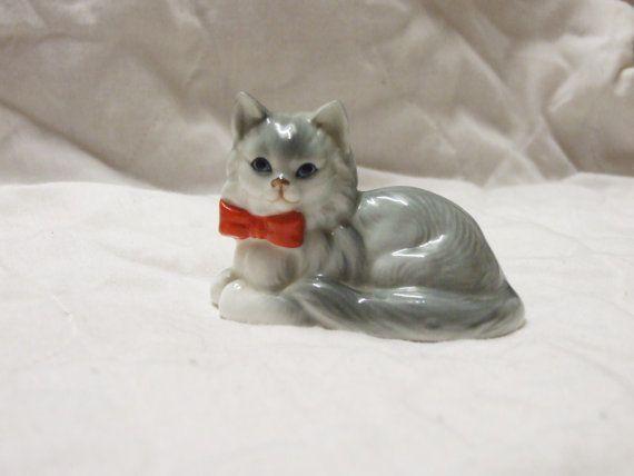 Chat gris Vintage, portant un décor ornemental de chat, de figurine bowtie, figure de chat mignon