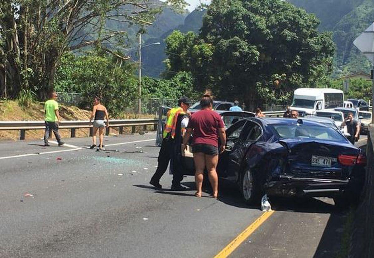 Tow Truck Driver Who Plowed Into 10 Cars Has Dozens Of Traffic Violations Hawaii News Now Honolulu Hawaii