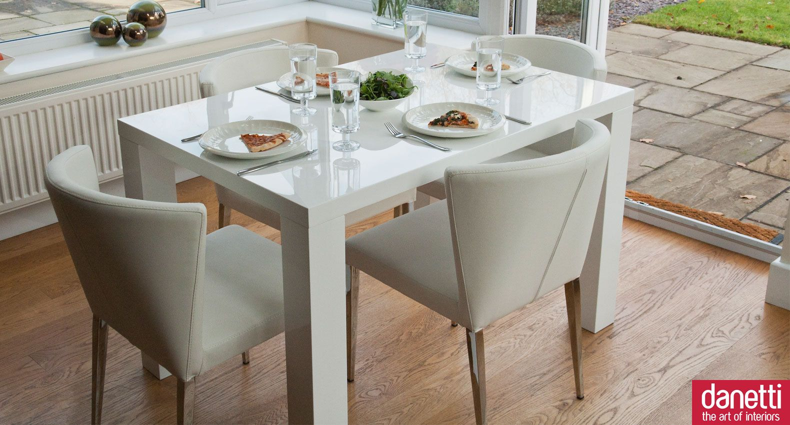 Fern And Curva Four Seater Dining Table Set Four Seater Dining Table Dining Table Extendable Dining Table