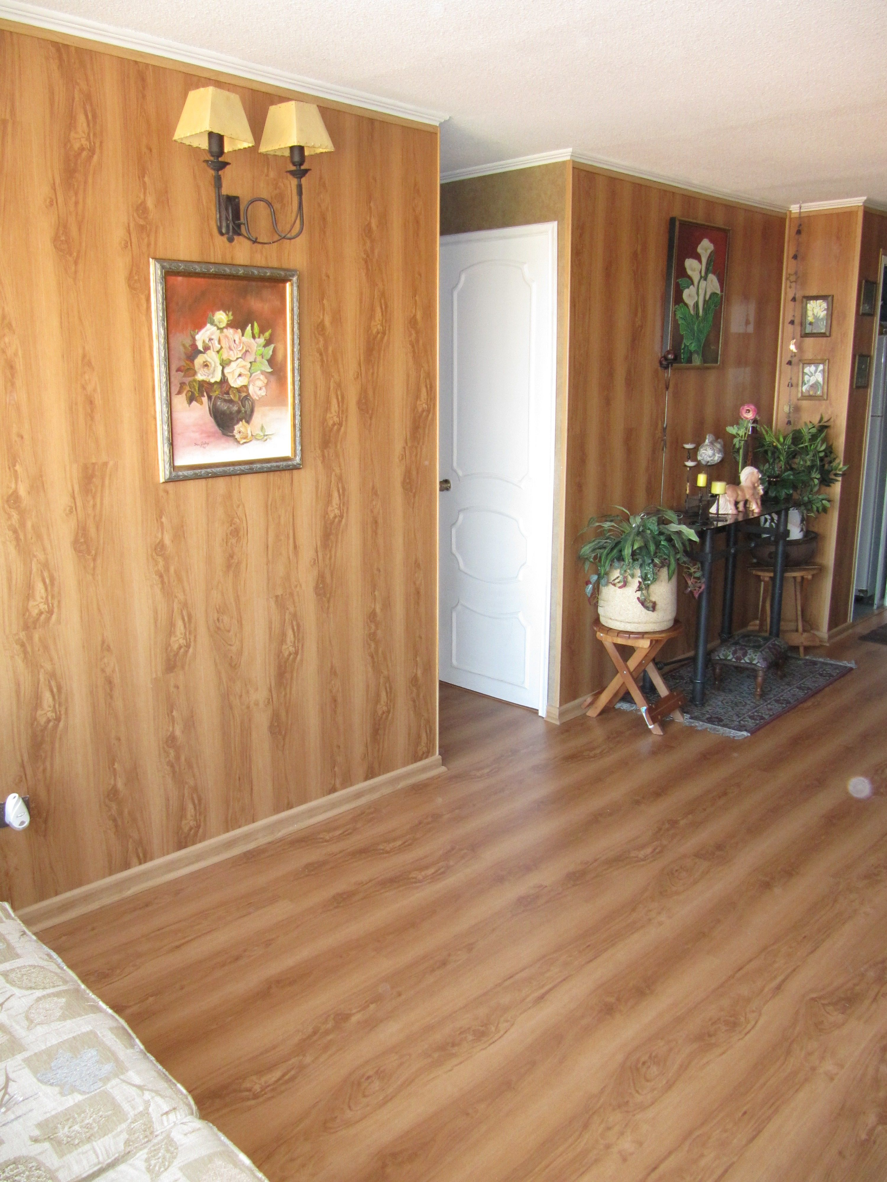 You can install your favorite laminate flooring both in ...