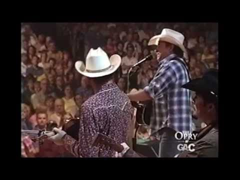 Mark Chesnutt - Heard It In A Love Song - Grand Ole Opry - YouTube