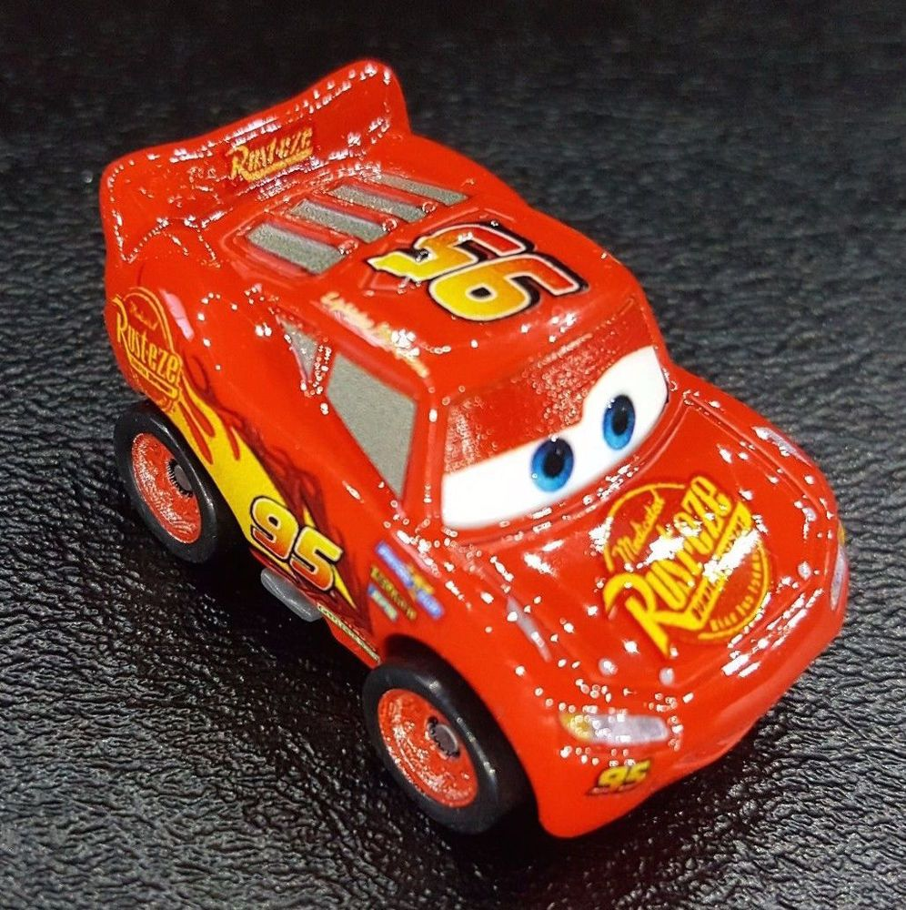 DISNEY PIXAR CARS 3 DIE CAST MINI RACERS LIGHTNING MCQUEEN