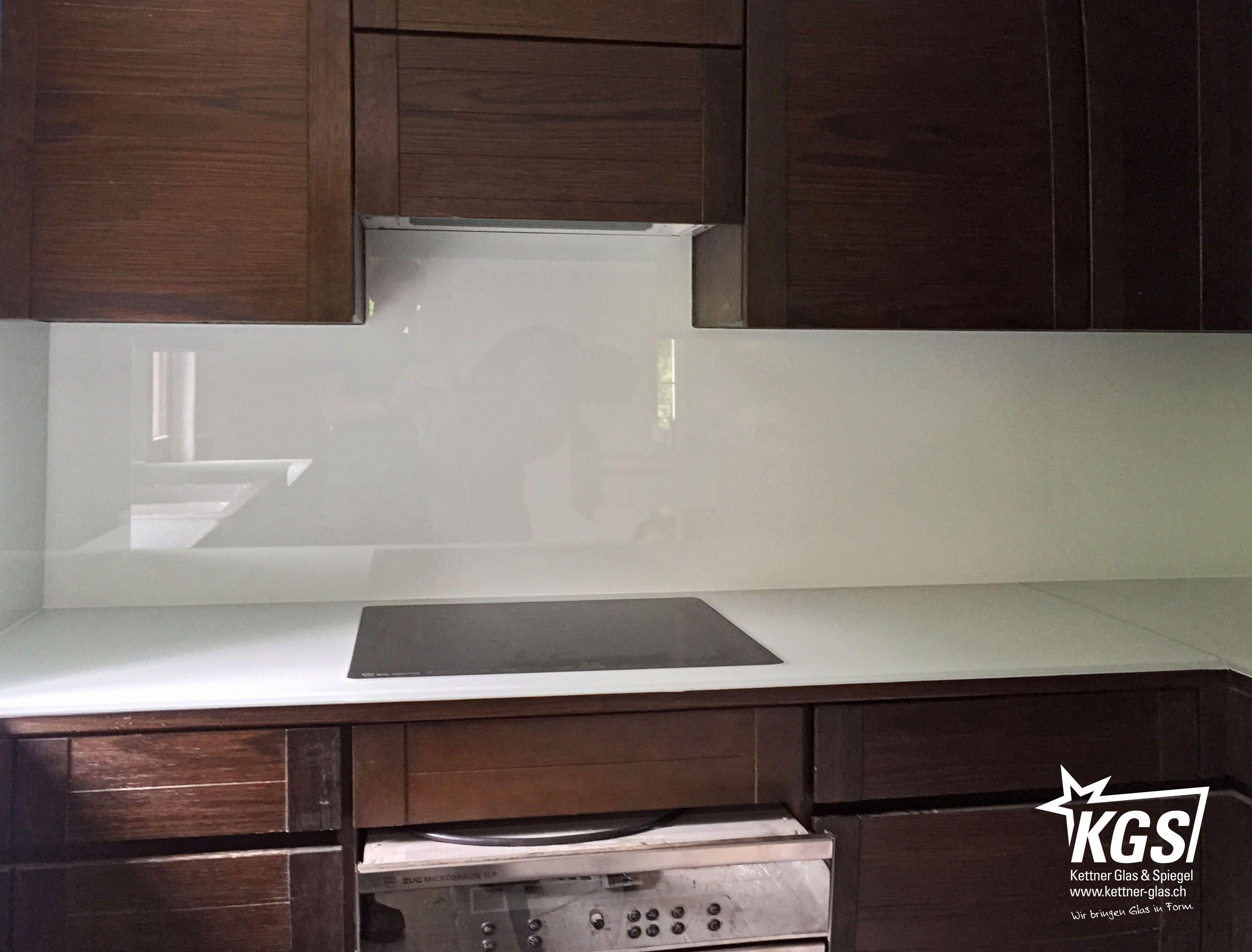 Lackiertes glas küchenrückwand  Küchenrückwand und Arbeitsfläche aus Diamant-Glas mit hochweisser ...