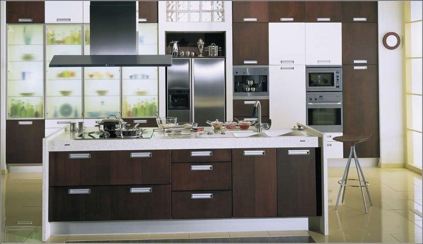 Muebles de cocina color wengue Se denomina wengué a la madera