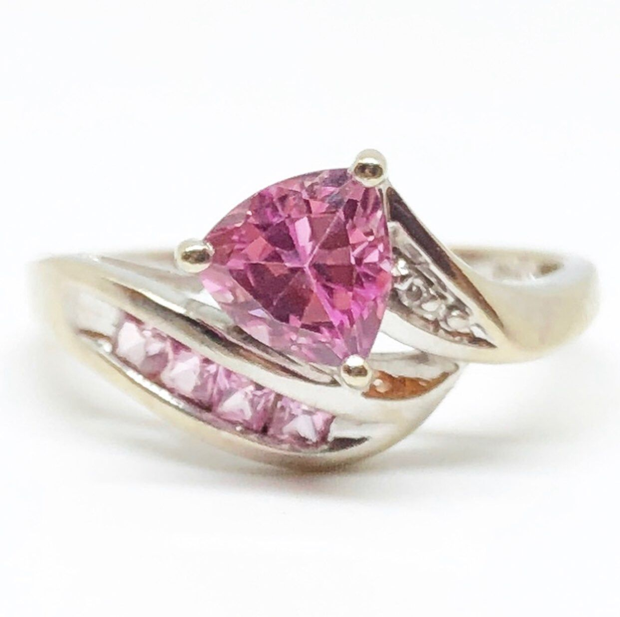 This Is An Absolutely Beautiful Genuine Pink Sapphire And Diamond Ring In Solid 10k White Gold Size 7 The Ring Sh Pink Sapphire Kay Jewelers Rings White Gold