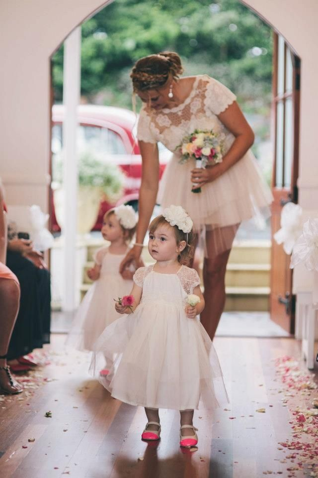 Cute flower girl twins wedding May have to just have a second ...