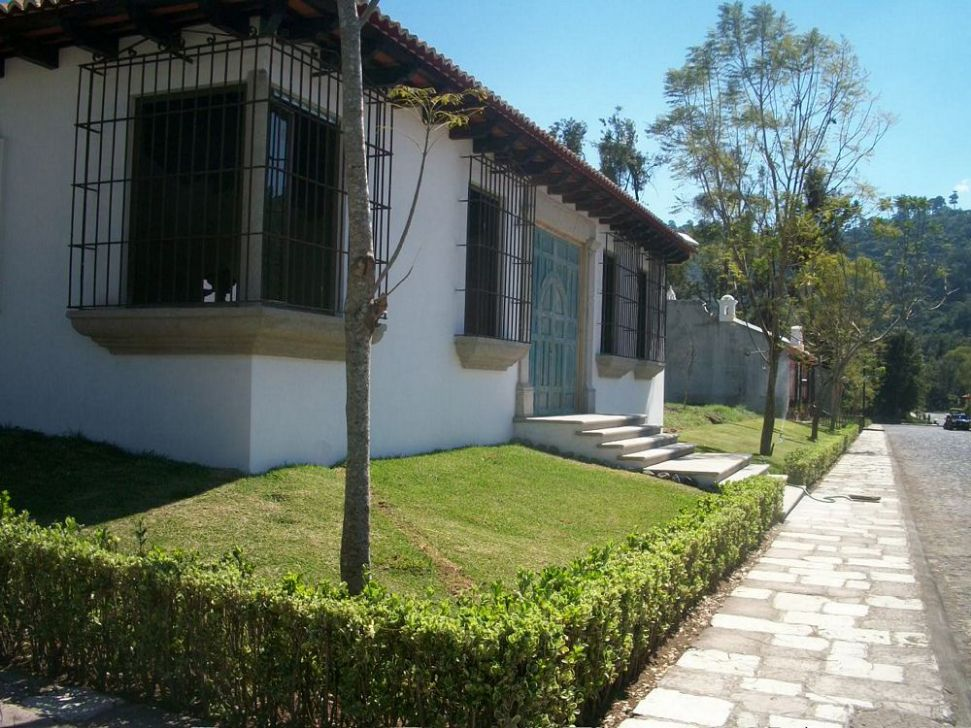 CASA EN VENTA EN LAS JACARANDAS ANTIGUA GUATEMALA Casas en