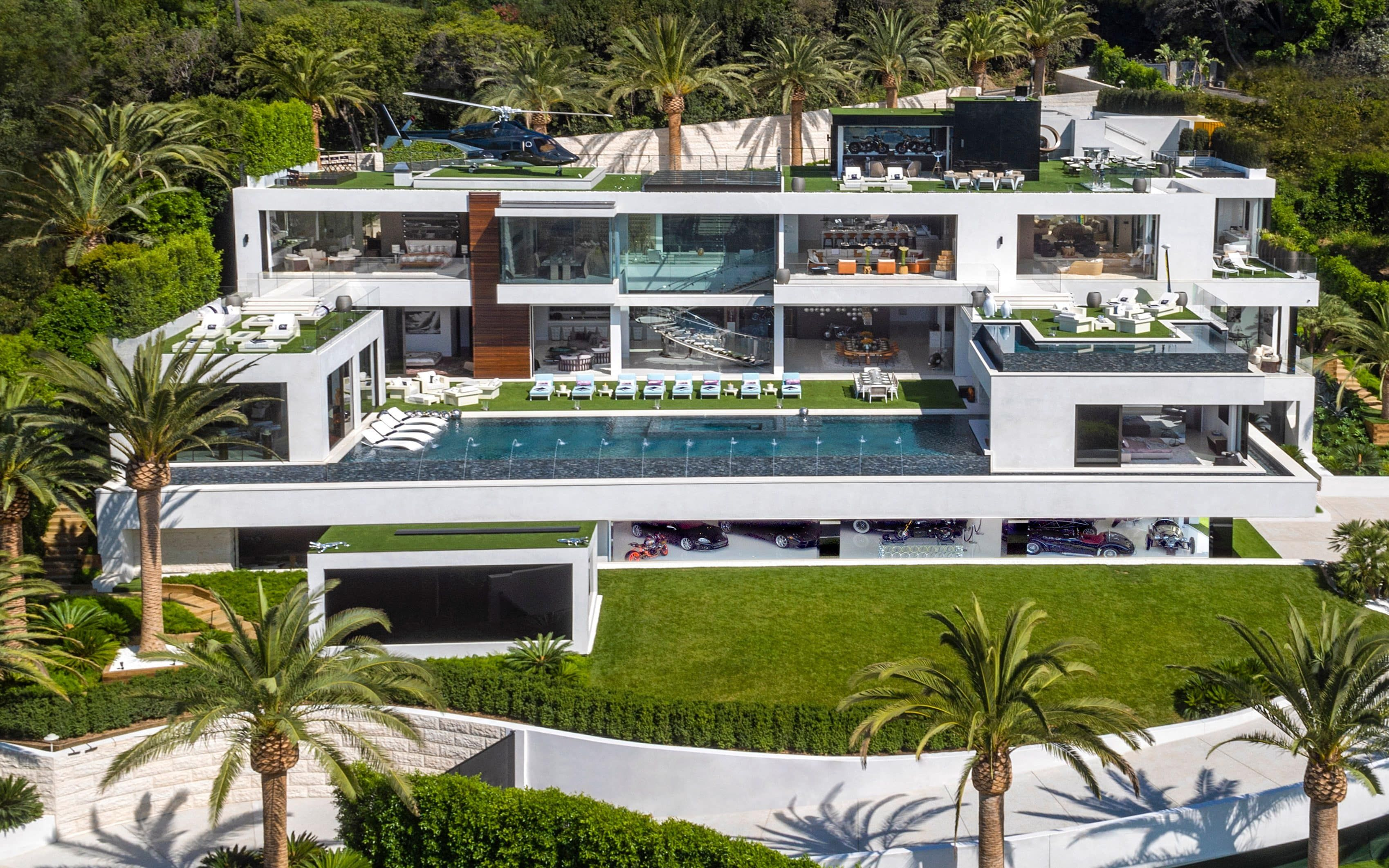 Bel Air Spec Manor Los Angeles 250million The Most Expensive House In The Us Has 12 Bedrooms 21 Bathro Houses In America Expensive Houses Bel Air Mansion