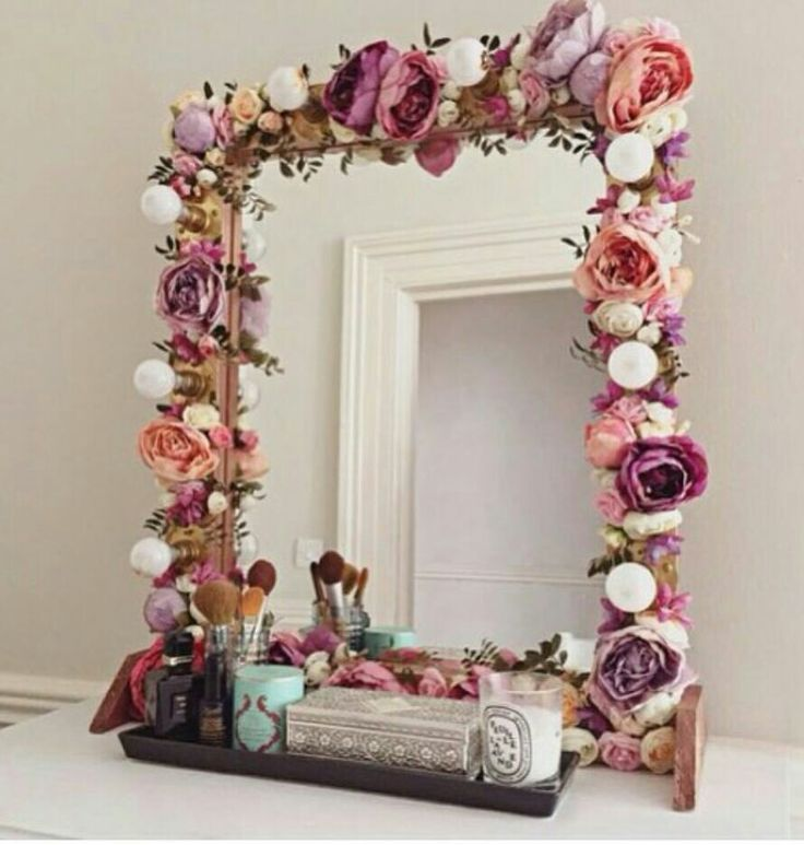 Merveilleux Check Out How To Make תמונותa DIY Flower Decorated Mirror /istandarddesign/