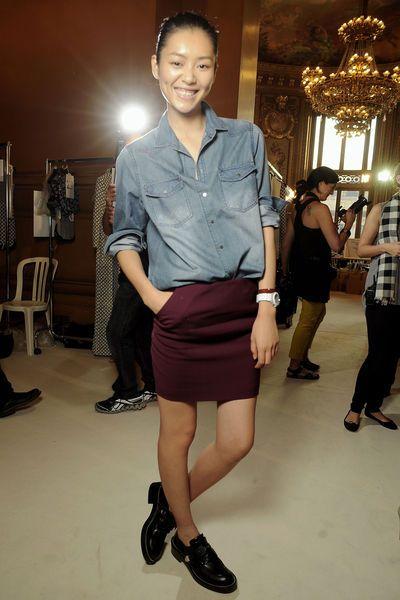 Loafers Skirt Button Up Collared Shirt Flache Schuhe Zum Rock
