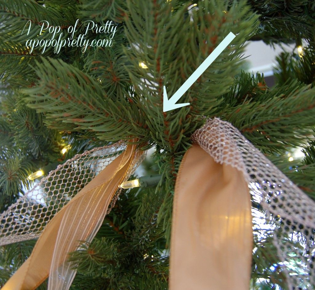 Christmas decorating tip: how to add ribbon to your tree. | A Pop of Pretty: Canadian Decorating Blog #ribbononchristmastreeideas