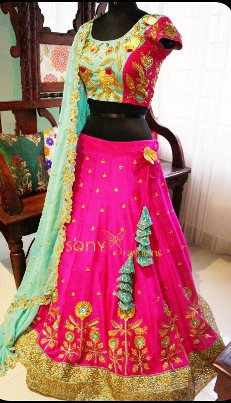 Look elegant look classy in this beautiful couture  For Couture details :- Mail at:-sonyfashionsteams@gmail.com Call or WhatsApp:-8008100885