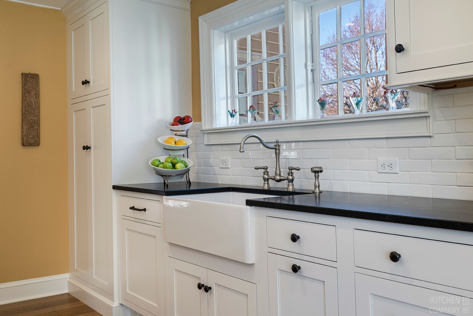 Connecticut Kitchen Design Mesmerizing Traditional Farmhouse Kitchen In Madison Ct  Kitchen Photo Design Ideas