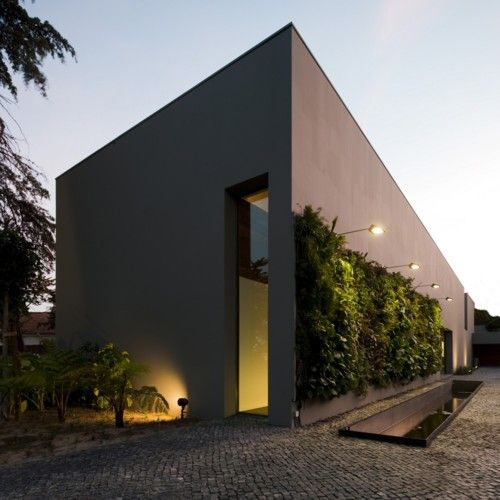 Residence in Estoril, Portugal, byFrederico Valsassina Arquitectos