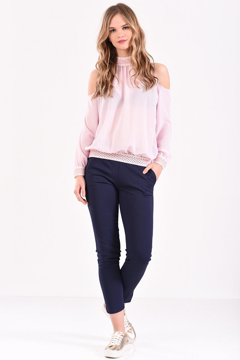 4eb4cbd27b03 Μπλούζα με έξω ώμους και λάστιχο εμπριμέ σε ροζ χρώμα