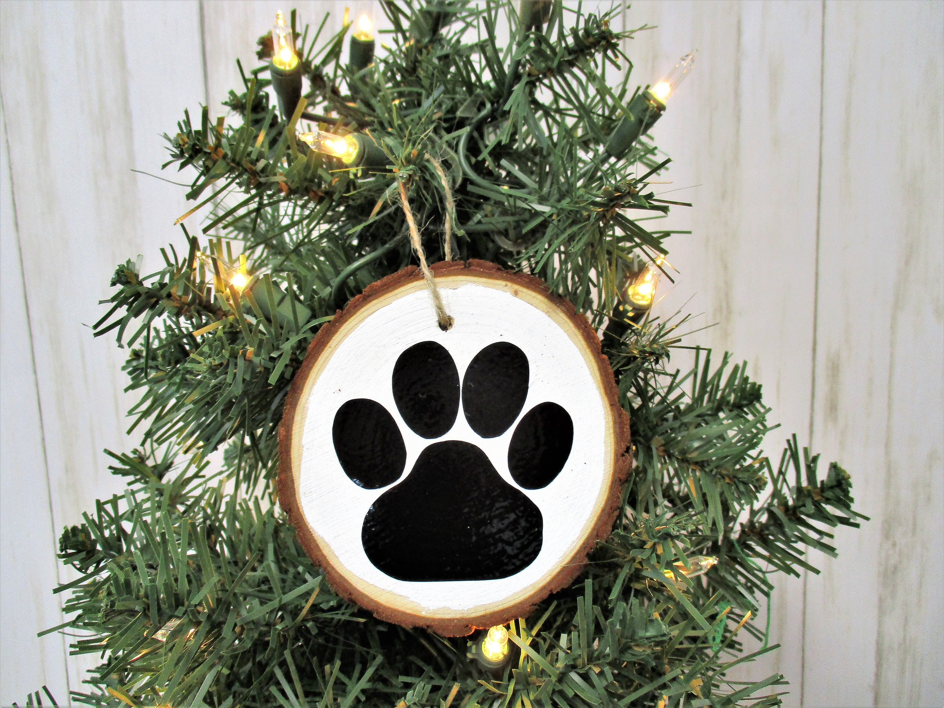 Dog Paw Christmas Wood Slice Ornament Country Christmas Etsy Country Christmas Ornaments Wood Christmas Ornaments Wood Slice Ornament