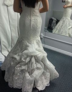 Los Angeles Wedding Planner Carmen Fuentesexplains The Different Types Of Dress Bustles And Why Its Important To Have More Than One Bustle Point