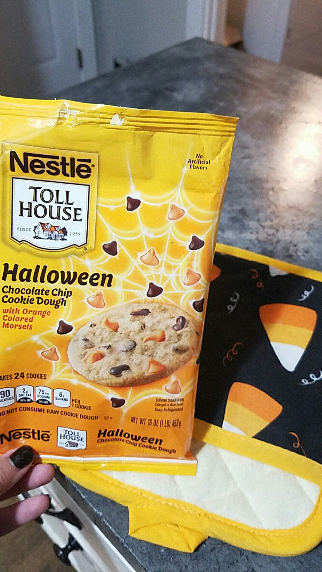 Toll House Halloween Cookies | Halloween chocolate chip ...