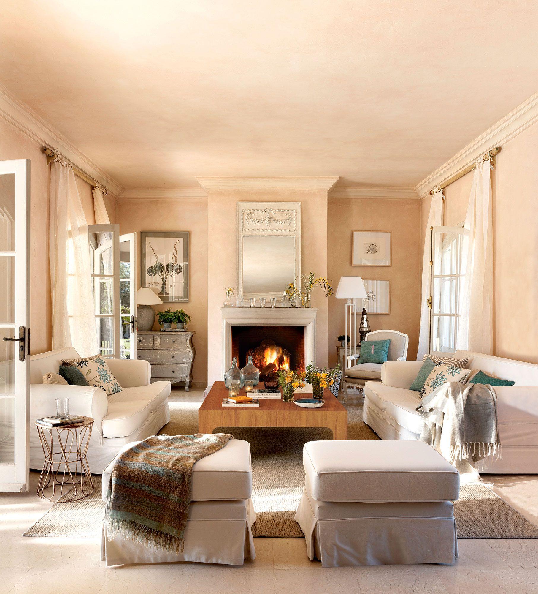 Salón abierto a la cocina con sofá con módulo chaise longue | Sofá ...