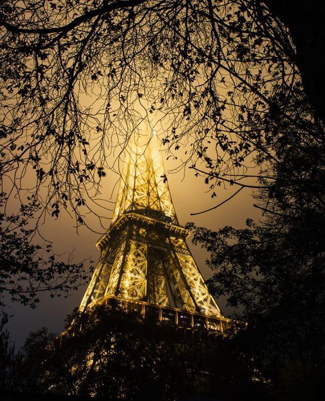 A photo that I took 4 years ago of the mysterious Iron Lady. #paris #prayforparis #jesuisparis #visitparis #topparisphoto #eiffel  #topfrancephoto #igersparis #loves_paris #paricityvision #doyoutravel #wanderlust #parismaville #parisphotographer #theparisphotographer #parisjetaime #eiffeltower #toureiffel #eiffelturm #iloveyouparis #vsco #vscofilm