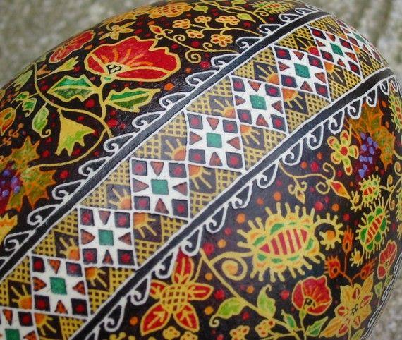 rhea egg by CarltonARTfactory, Etsy, detail