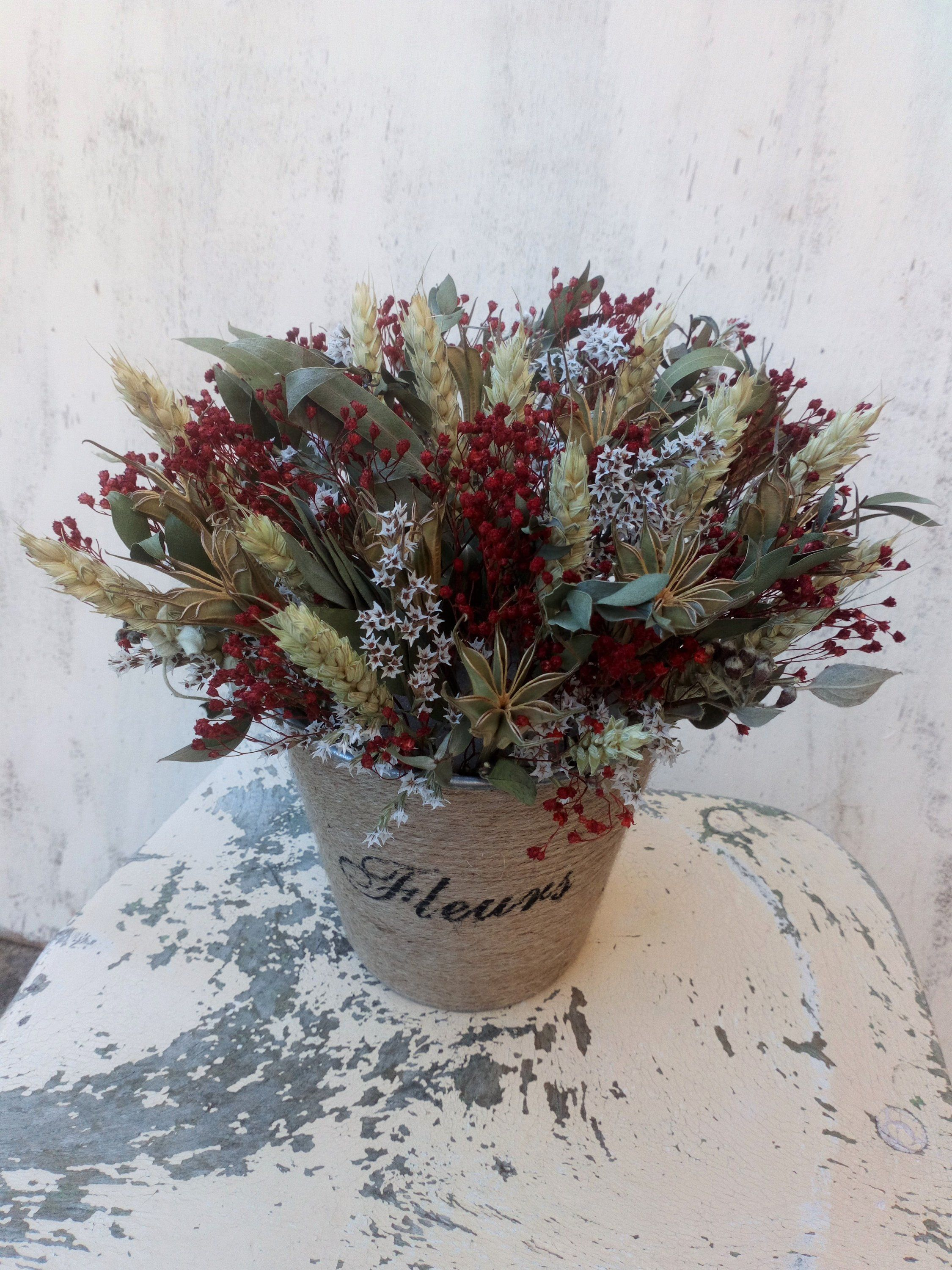 Dried Flower Christmas Arrangement Table Decor Wedding Etsy Christmas Arrangements Winter Christmas Gifts Dried Flowers