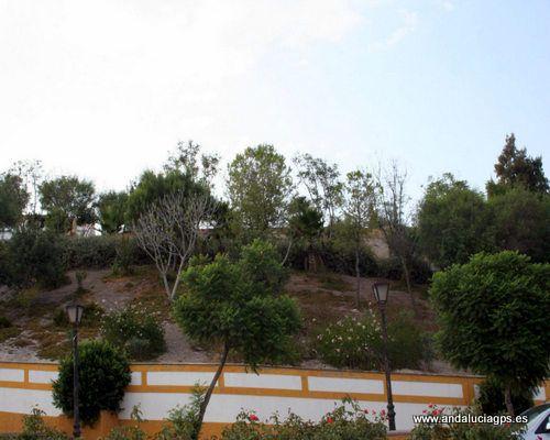 """#Sevilla #Cabezas de San Juan - Parque de Juan Brito GPS 36º 58' 49"""" -5º 56' 12"""" / 36.980278, -5.936667  Parque dedicado al escultor local, Juan Brito. Dentro del parque se observan restos de las murallas árabes."""