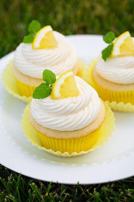 Lemon Cupcakes with Lemon Buttercream Frosting