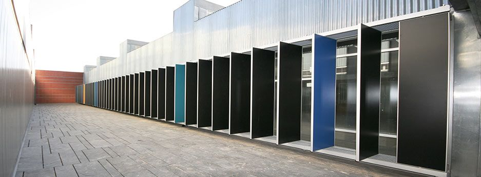 adjustable multi colored brise soleil architecture. Black Bedroom Furniture Sets. Home Design Ideas