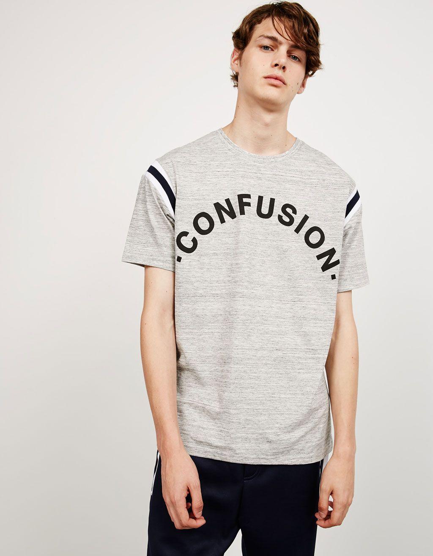 Camiseta jaspeada 'Confusion'. Descubre ésta y muchas otras prendas en Bershka…
