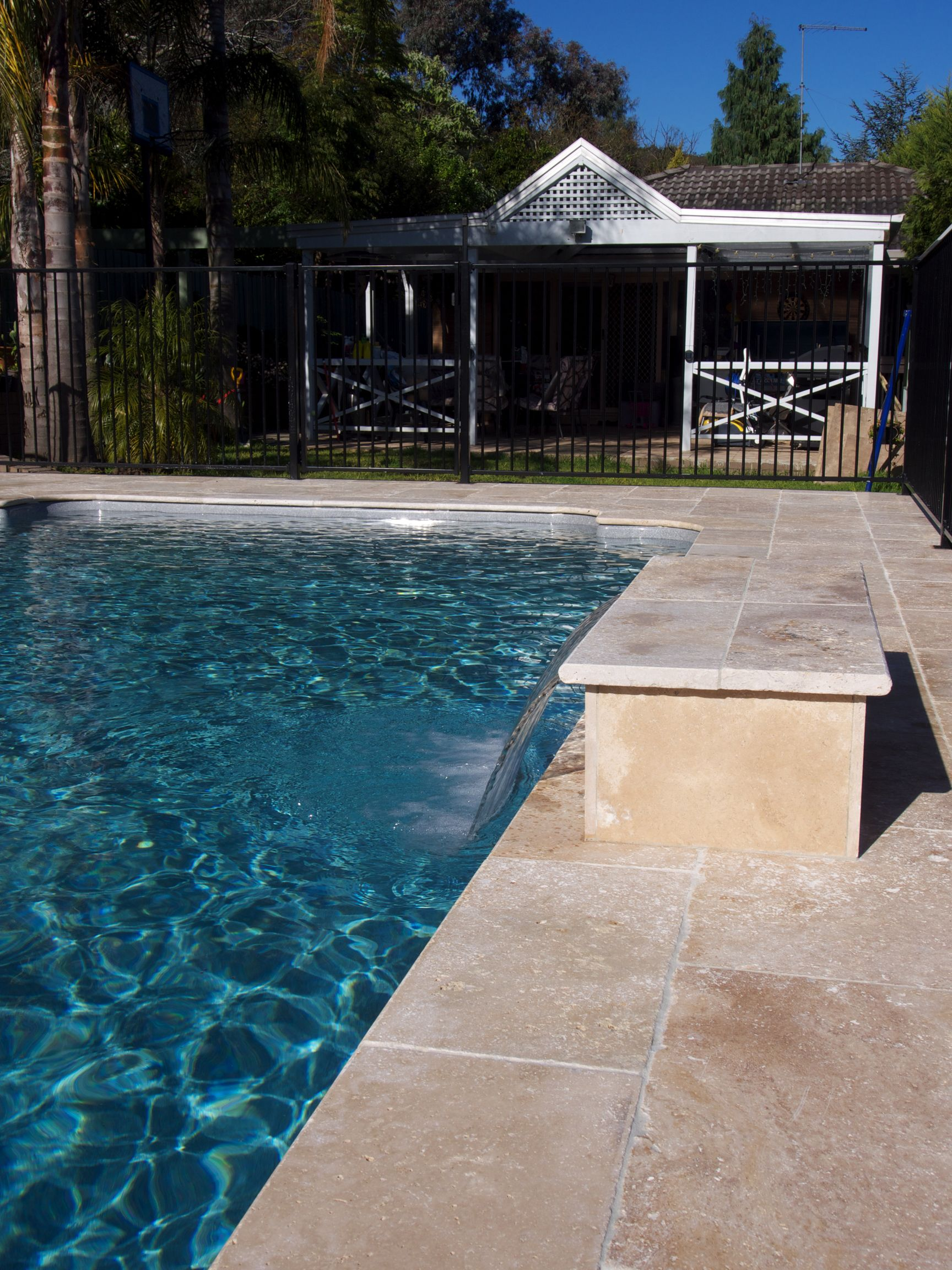 Travertine Honed Filled Outdoor Pool Area Pool Landscaping