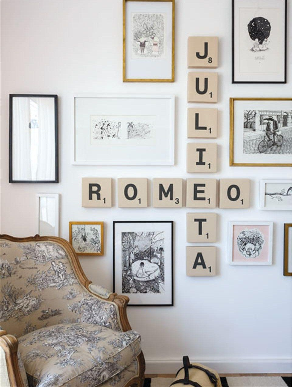 un mur de cadre original et romantique manicure pinterest cadre original mur de cadres et. Black Bedroom Furniture Sets. Home Design Ideas