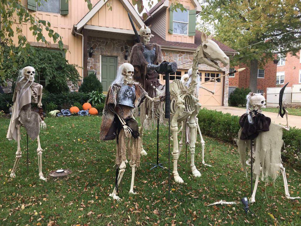 This Game of Thrones Halloween Decor Brings the Great War
