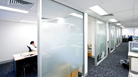 In the office fit out for Theiss-Sedgeman, Bris Aluminium's partition systems have been used throughout the new office interior.