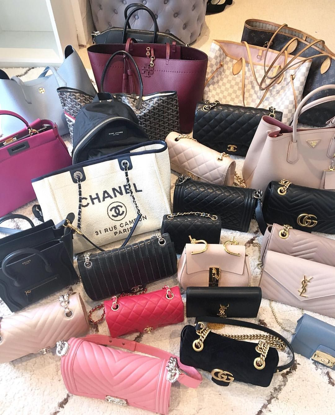 f99e0aeef8c9 A new video is up on my channel! My complete bag collection