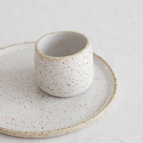 Becher und Teller dotted Küche / dishes Pinterest Keramik