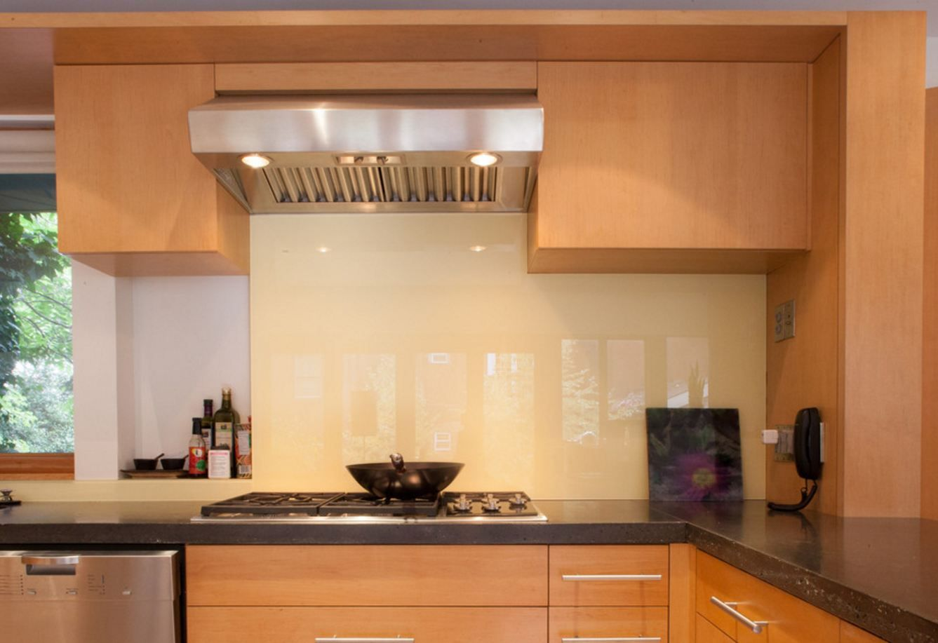 A custom illuminated backsplash which utilizes energy efficient LED ...