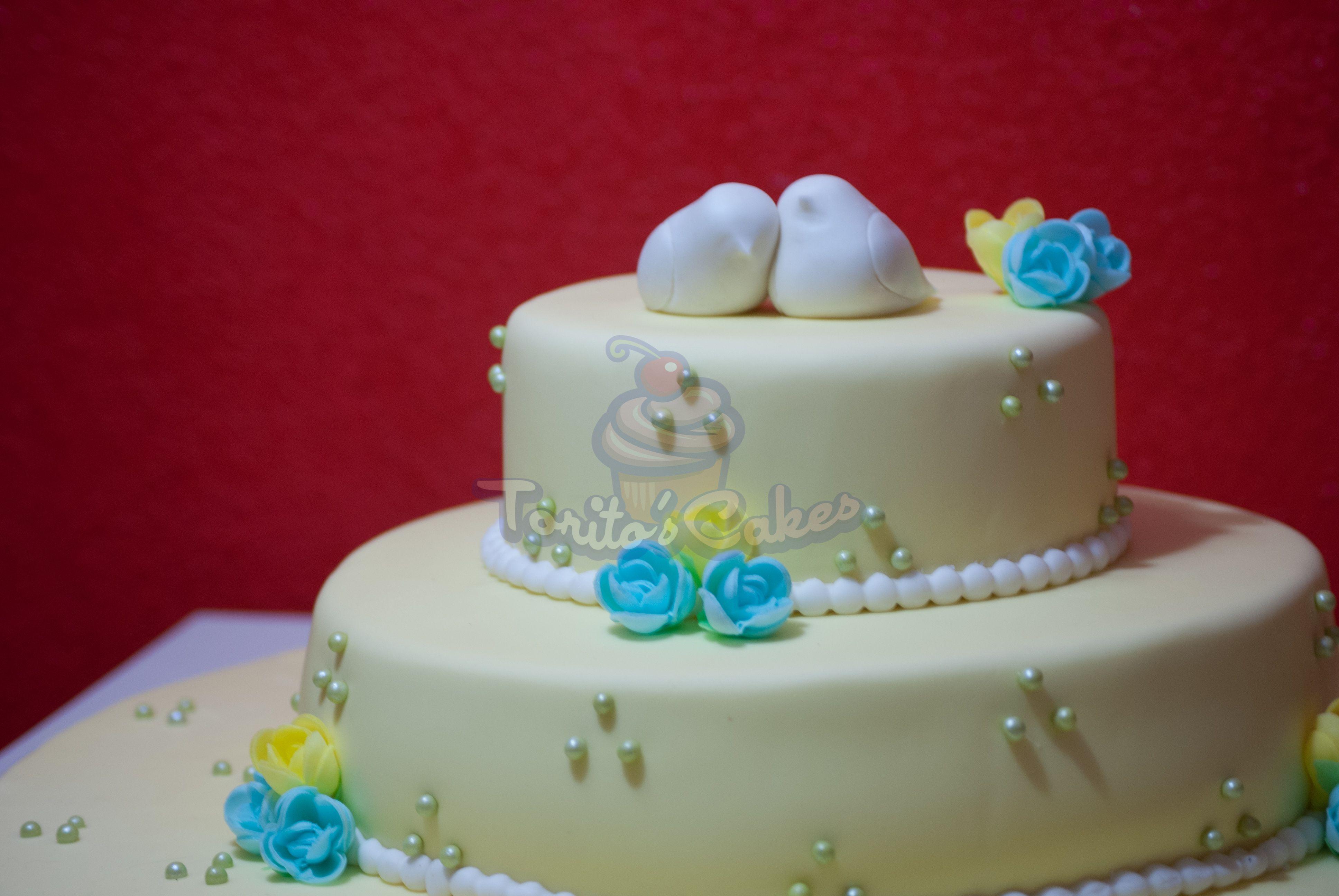 Wedding cake · Yellow Tarta amarillo · boda · pájaros modelados