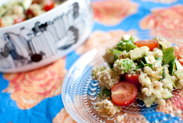 Ruokahommia: Uuden vuoden quinoasalaatti