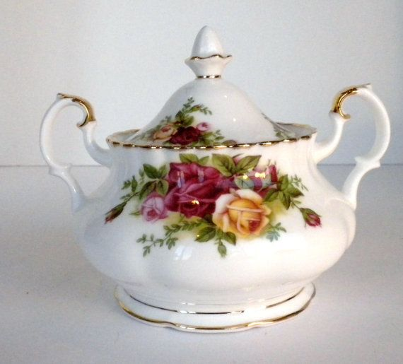 Royal Albert Sugar Bowl with Lid Old Country Roses by oldandnew8, $8.00