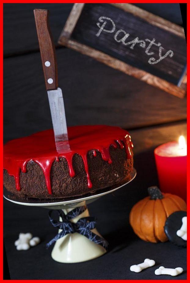 Supereinfach Der Blutige Halloween Kuchen Mit Roter Glasur In 2020 Halloween Food Cupcakes Halloween Cake Recipes Halloween Food Snacks