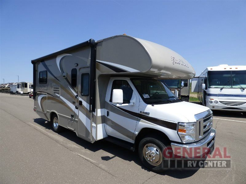 Travel Make Adventures Find Comfort In The Cozy Used 2016 Thor