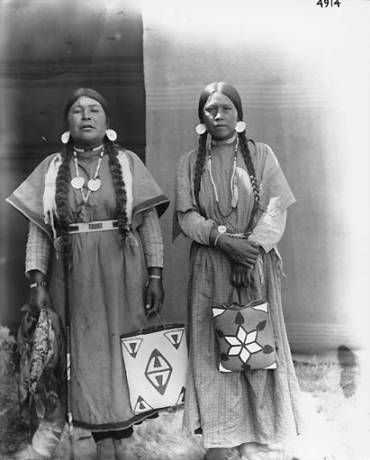 Photo of Nez Perce women, wives of David Williams, Colville Indian Reservation, Washington, ca. 1900-1910.