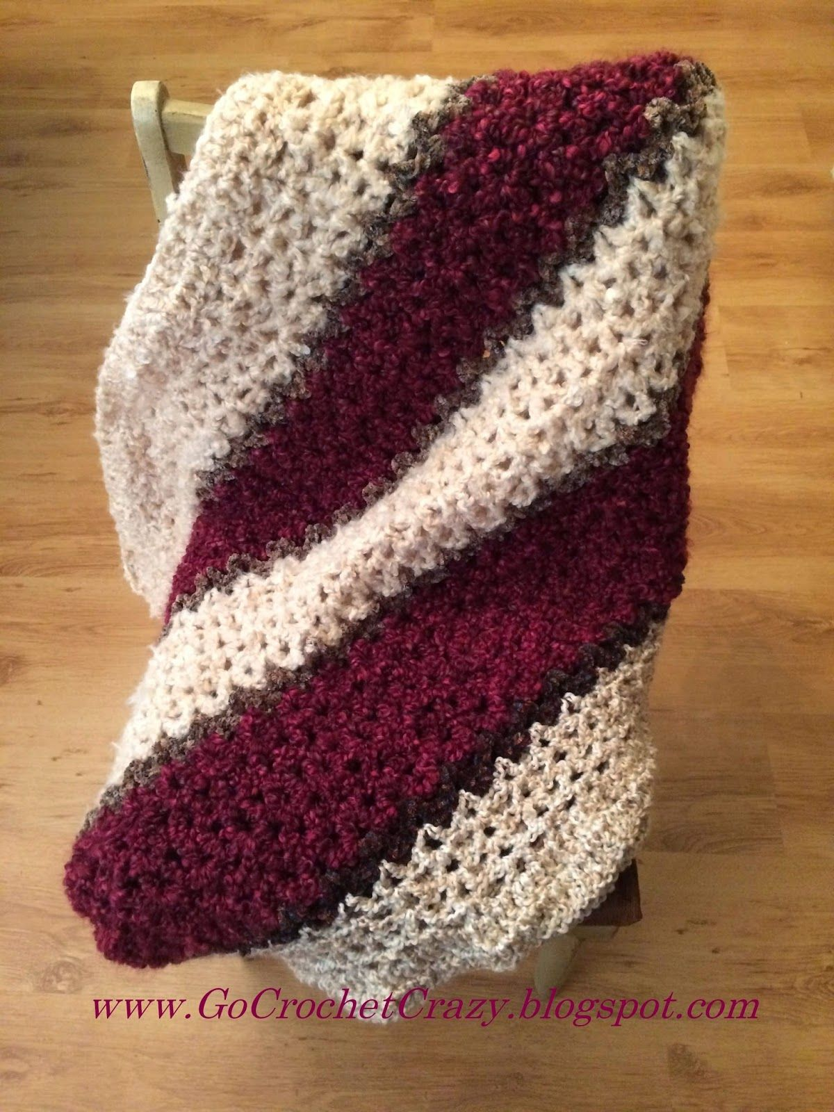 A mostly V-Stitch lapghan works up quickly to make this chunky, soft ...